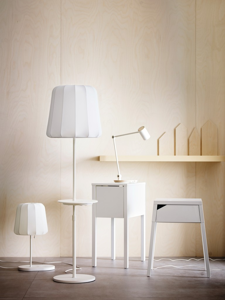 Neue IKEA Design-Kollektion mit kabelloser Ladefunktion - ab April bei Ikea. (Bild: obs/Inter IKEA Systems B.V. 2015)
