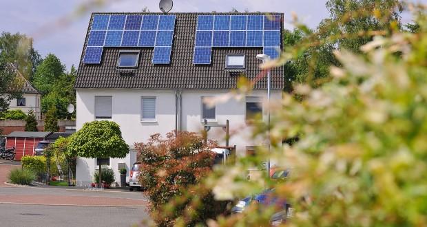 Intersolar: RWE verknüpft Sonnenstrom mit Elektroauto