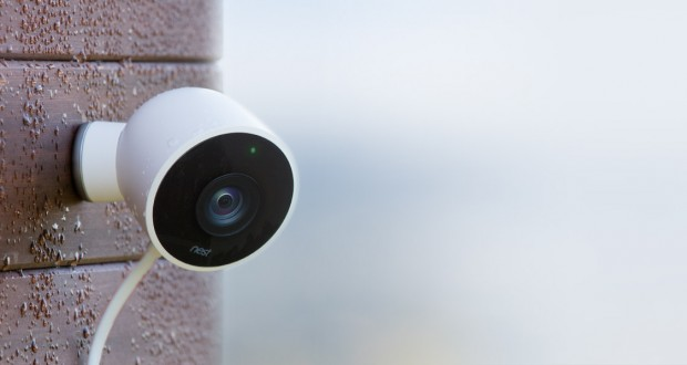 Nest Cam Outdoor Nest in Deutschland Amazon vs. Google